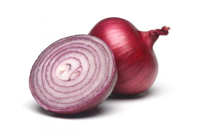 one-whole-red-onion-and-one-sliced-in-half